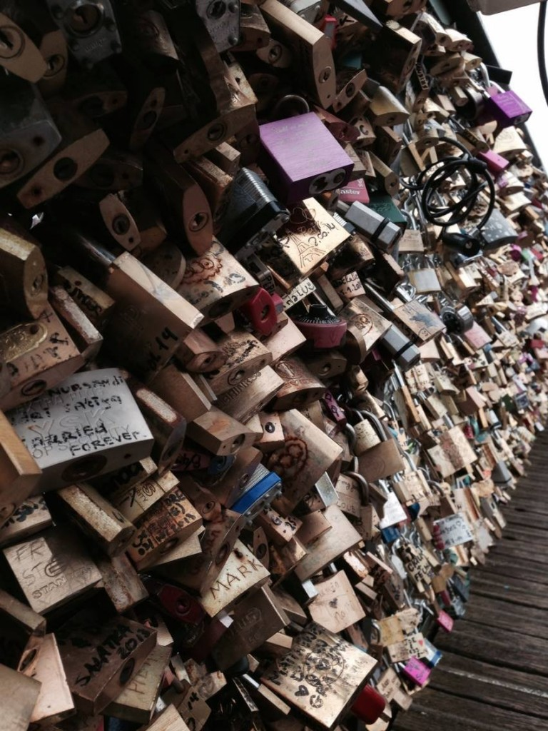 homeschool paris locks pont des arts love