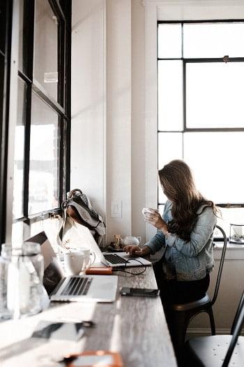 blogging in a coffee shop