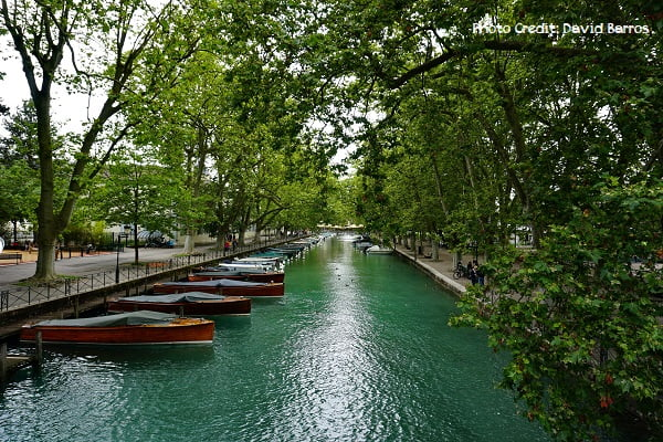 perfect romantic picnic in Annecy France